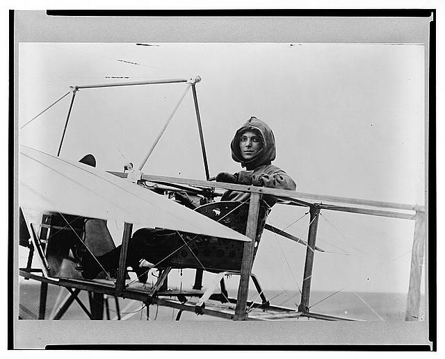 Harriet Quimby in cockpit of plane