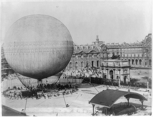 [Henry Gifford's balloon before ascension. Tuilleries, Paris]
