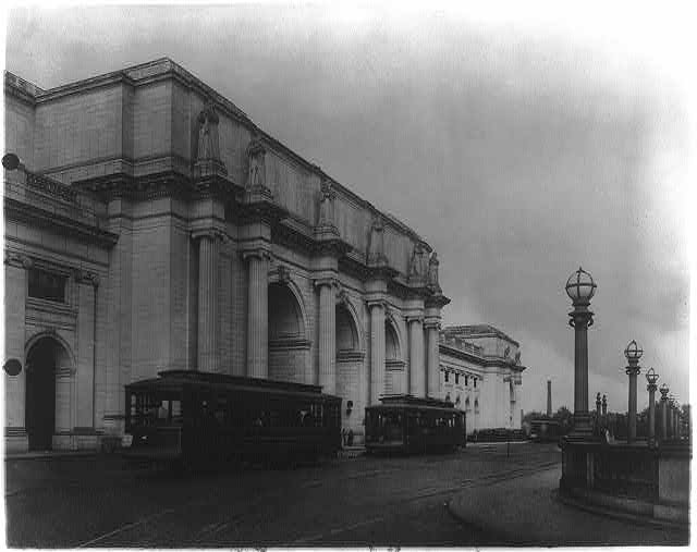[Streetcars in front of Union Station. Washington, D.C.]