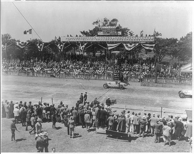 Automobile racing: Indianapolis Classic, May 31, 1930, Arnold in home stretch