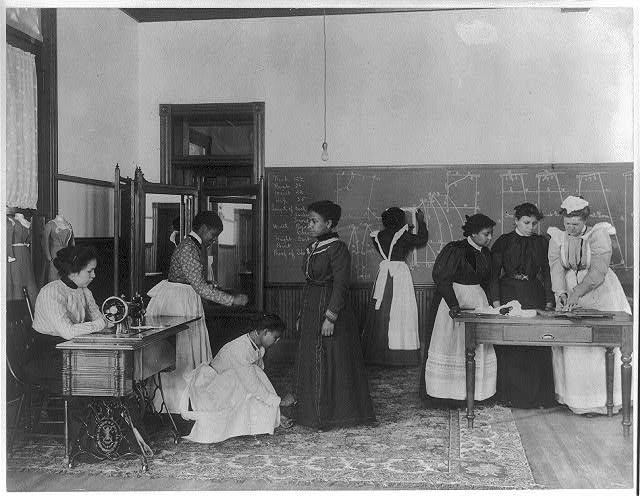 [A class in dressmaking, Hampton Institute, Hampton, Virginia]