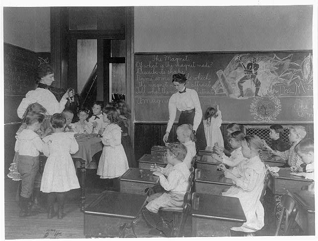 [Science classroom scene - 7 or 8 year-olds studying the magnet,   8th Division, Washington, D.C.]