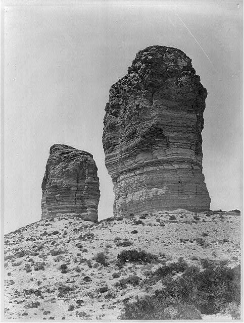 Buttes near Green River City (Wyo.)