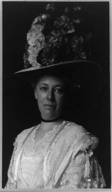 [Helen Herron Taft, half-length portrait, facing front, wearing hat with large flowers]
