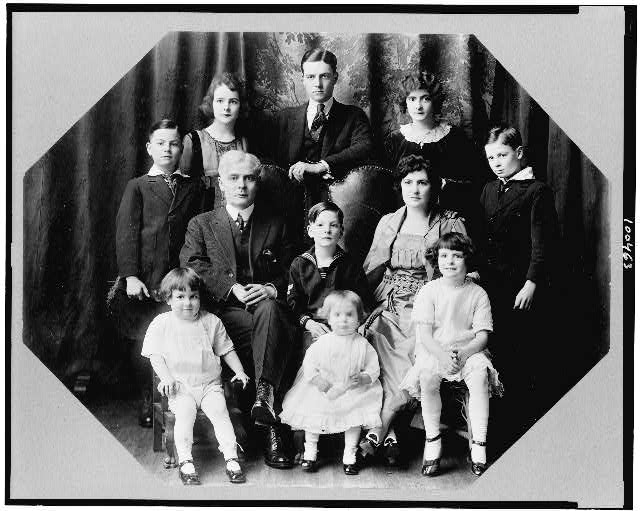 [Mayor Ole Hanson and family group]