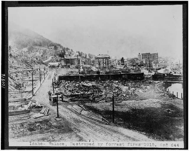 Idaho--Walace [i.e. Wallace] destroyed by forest fires, 1915