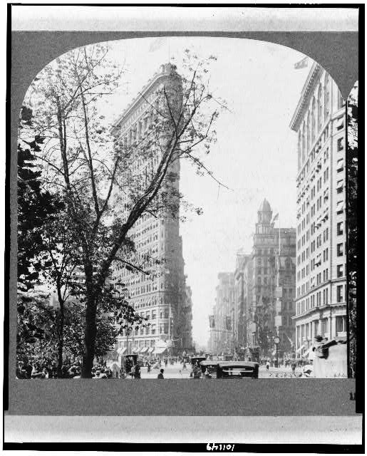The Flatiron Building, Fifth Avenue and Broadway, N.Y., U.S.A.