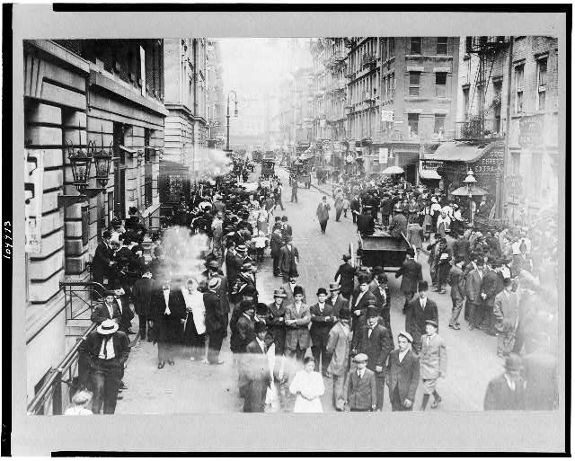 [Jewish life--celebrating the Jewish New Year on the East Side of New York]
