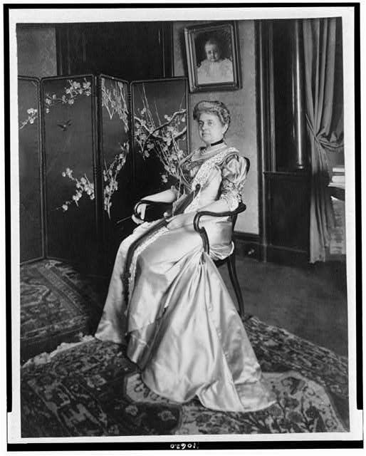 [Mrs. Nathan B. Scott, full-length portrait, seated, facing left]