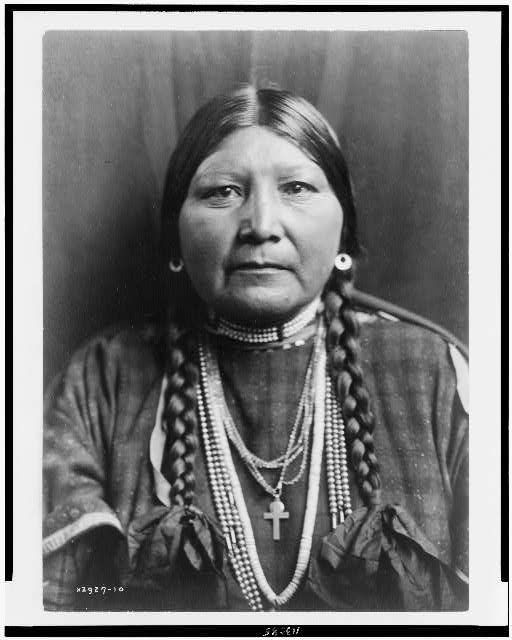 Nez Percé matron