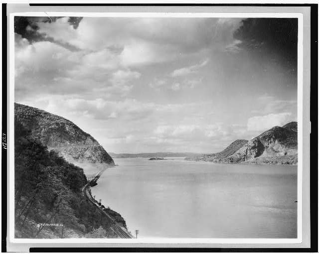 [Hudson River from Crow's Nest; Storm King mountain on left, Break Neck mountain on right]
