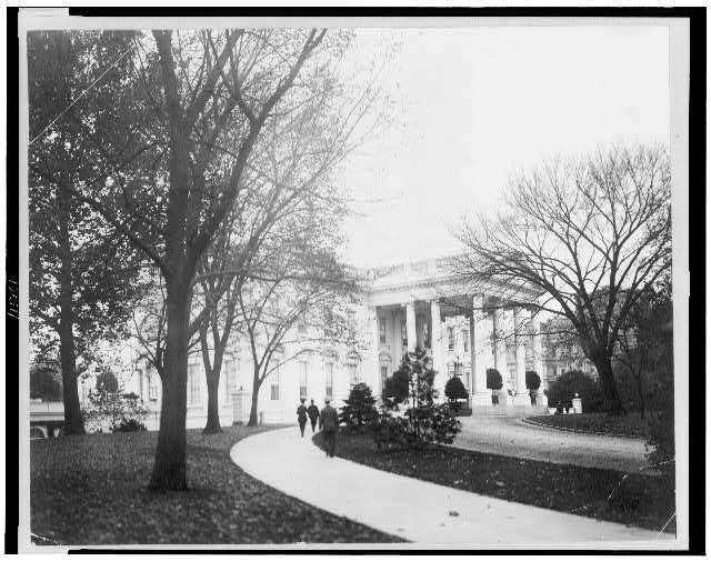 [Exterior of north portico of White House, Washington, D.C.]