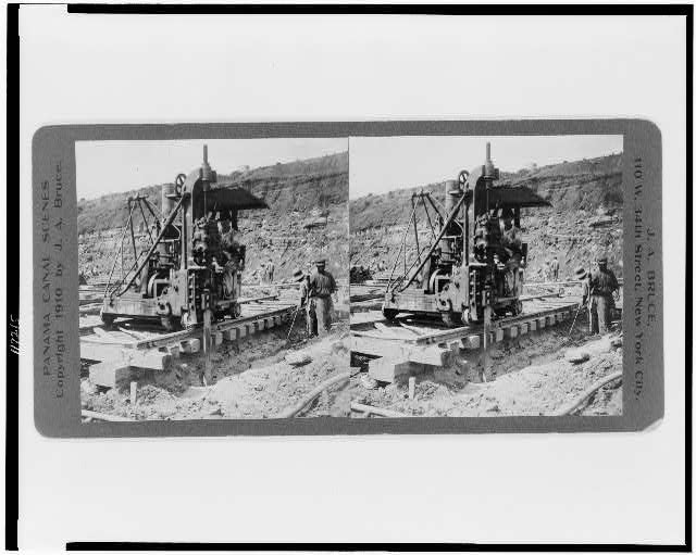 Upper Miraflores locks--Rock channeler at work, April 1910