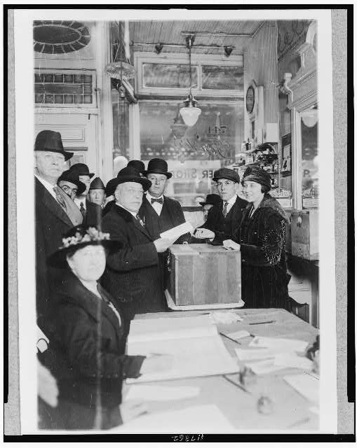 Labor leader a voter--Samuel Gompers, president of the American Federation of Labor, casting his ballot in his home district