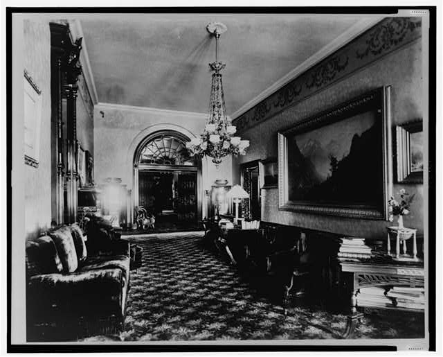 White House, east corridor