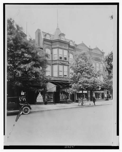 [Wm. Hahn & Co., shoes, 233 Pennsylvania Ave. S.E., Washington, D.C.]