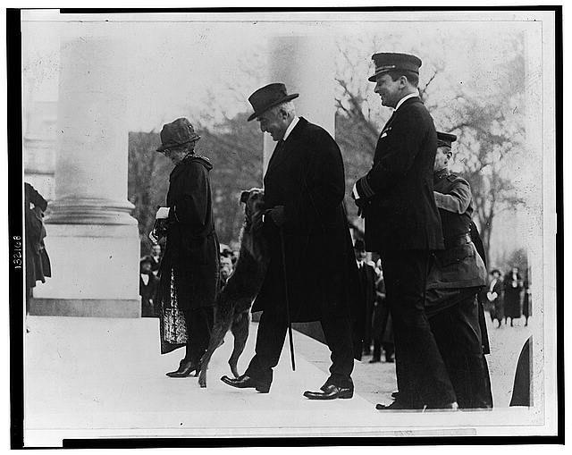 Laddie Boys [sic] greeting the return of the President and Mrs. Harding from Florida in 1923