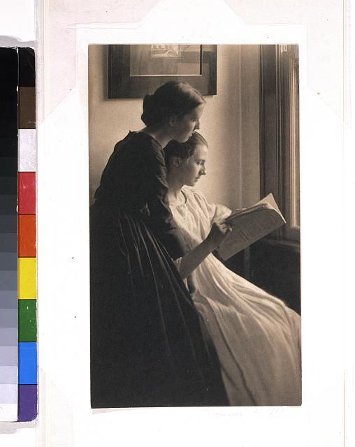 The readers (Letitia Felix and Ada Follett), Newark, Ohio