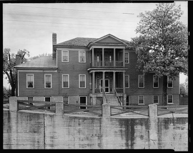 Dwelling, Virginia type, 901 Railroad St., Decatur, Morgan County, Alabama
