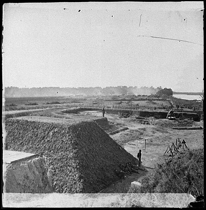 [Savannah, Ga., vicinity. Fort McAllister; another view]