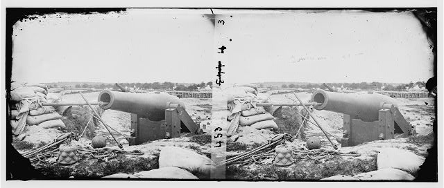 [Yorktown, Va. Confederate fortifications, with large gun]