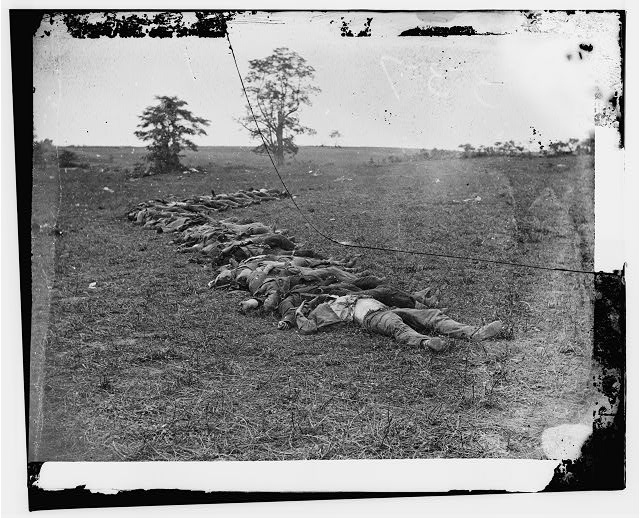 [Antietam, Md. Bodies of Confederate dead gathered for burial]