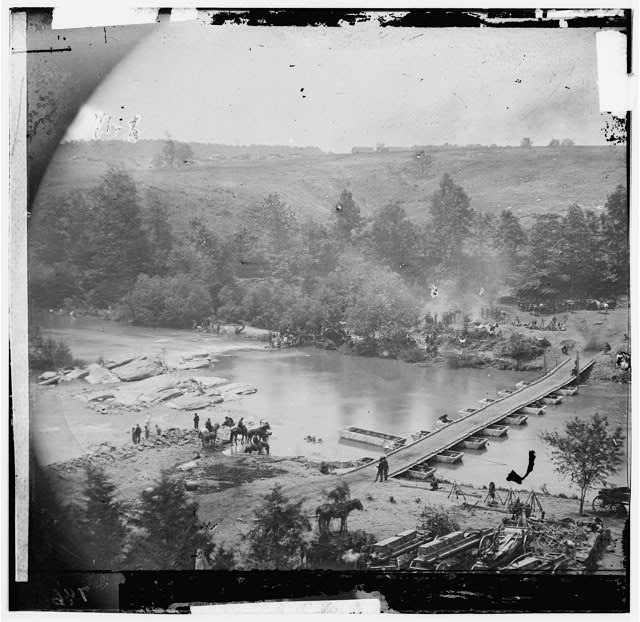 [Jericho Mills, Va. Canvas pontoon bridge across the North Anna, constructed by the 50th New York Engineers; the 5th Corps under Gen. Gouverneur K. Warren crossed here on the 23d.  View from the north bank]