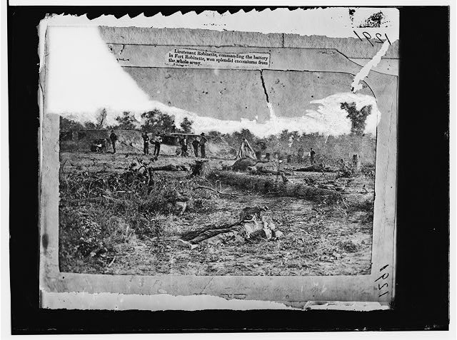 Corinth, Mississippi. Confederate dead in front of Battery Robinette the morning after the attack)