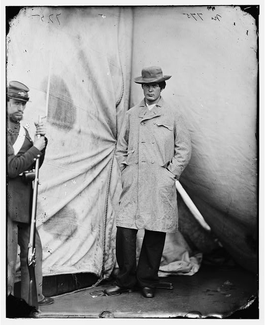[Washington Navy Yard, D.C. Lewis Payne, the conspirator who attacked Secretary Seward, standing in overcoat and hat]