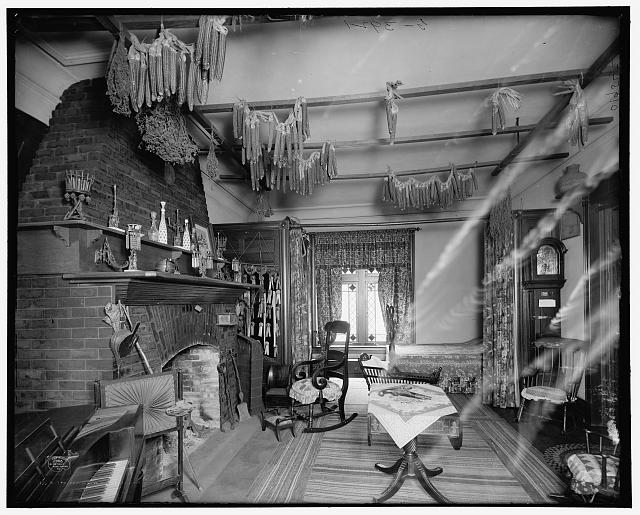 The Parlor, log cabin, Palmer Park, Detroit, Mich.