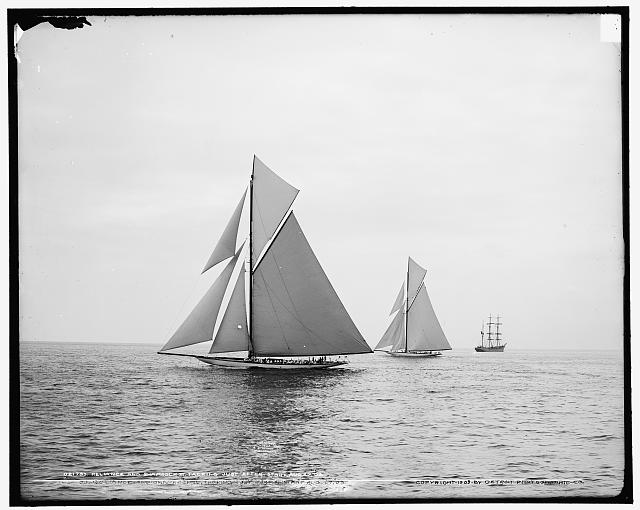 Reliance and Shamrock III tacking just after start, Aug. 27, 1903