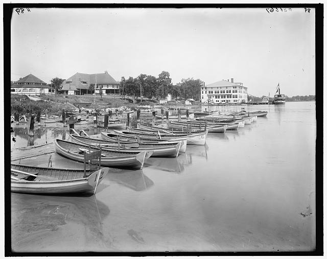 [East Grand Rapids, Mich., lakeside club from waterside, Reeds Lake]