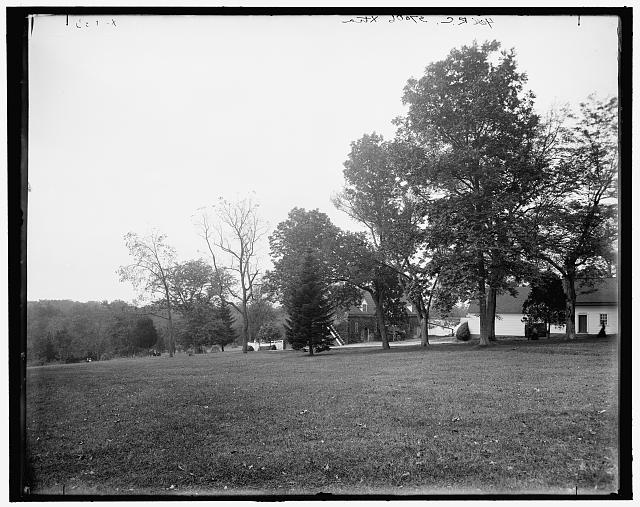 [Mt. Vernon, Va., the mansion and grounds]