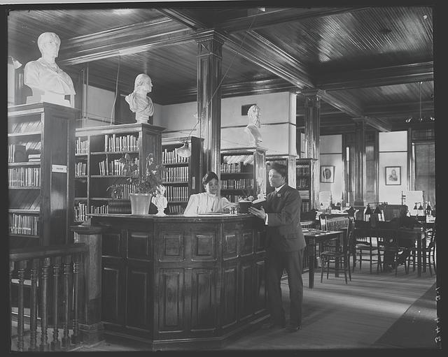 [Library interior at Tuskegee Institute, 1906]