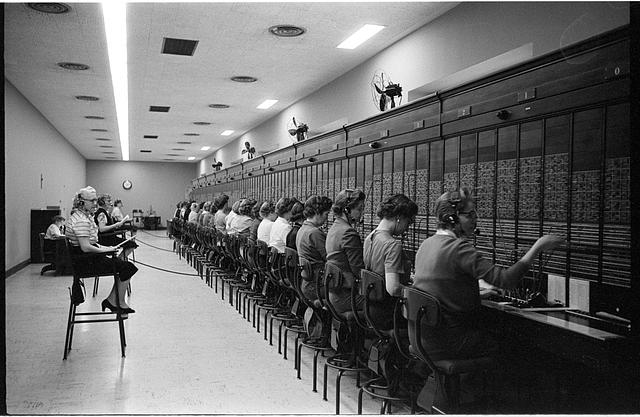 [Women working at the U.S. Capitol switchboard, Washington, D.C.]