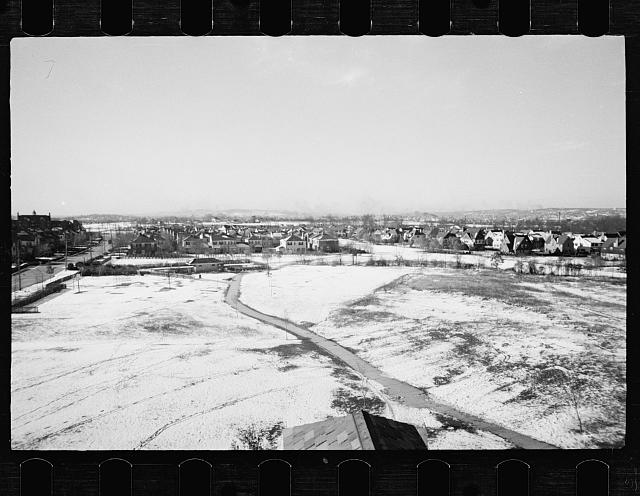 [Untitled photo, possibly related to: Model homes community, Radburn, New Jersey]