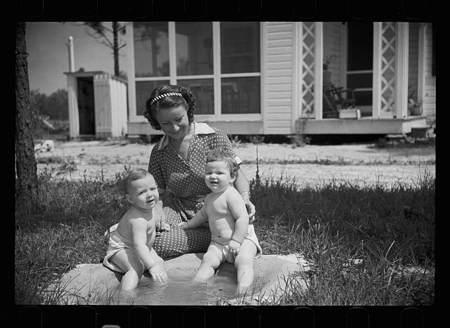 [Untitled photo, possibly related to: Homesteaders children. Penderlea Homesteads, North Carolina]