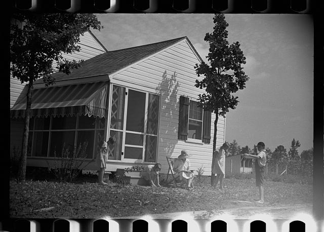 [Untitled photo, possibly related to: One of the Penderlea homesteads, North Carolina]