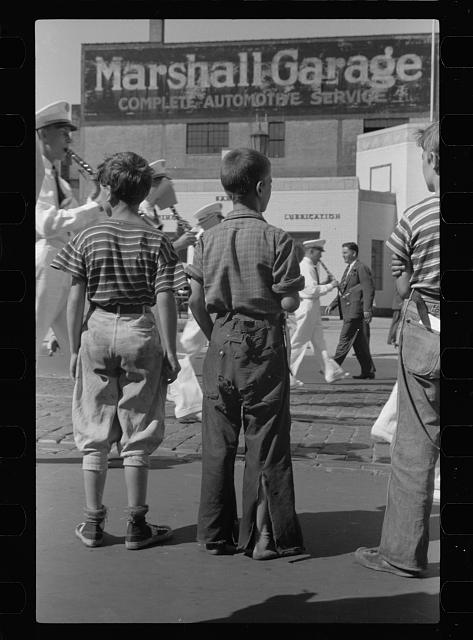 [Untitled photo, possibly related to: Boys watching parade, Letter Carriers Convention, Milwaukee, Wisconsin]