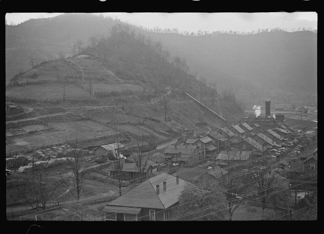 [Untitled photo, possibly related to: Kimball, West Virginia]