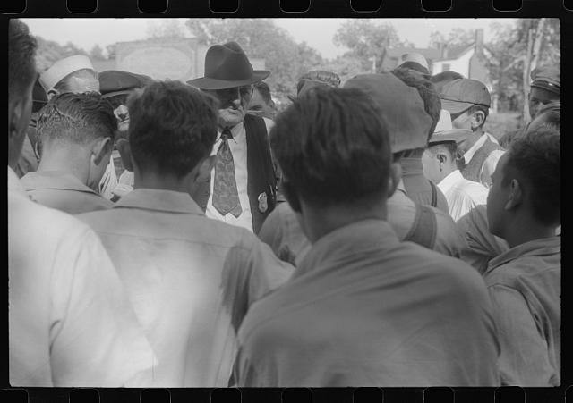 [Untitled photo, possibly related to: CIO pickets jeering at few workers who were entering a mill in Greensboro, Greene County, Georgia]