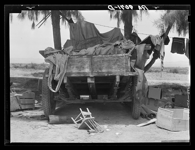 Stranded in southern California. Belongings of Oklahoma drought refugees camped alongside the road