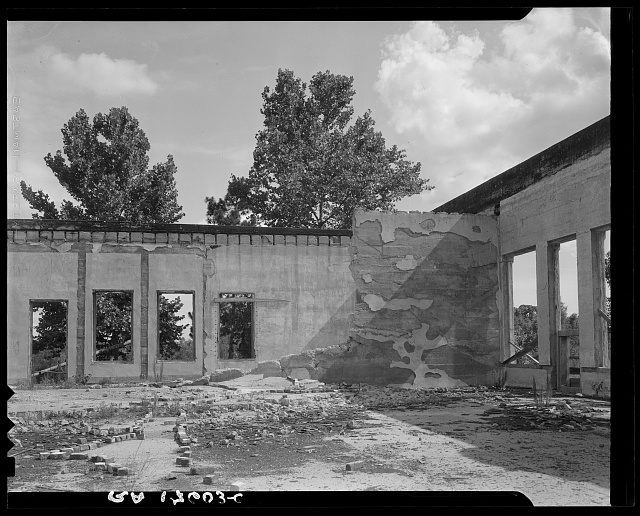 Some of the walls of the bank still stand at Fullerton, Louisiana, abandoned lumber town