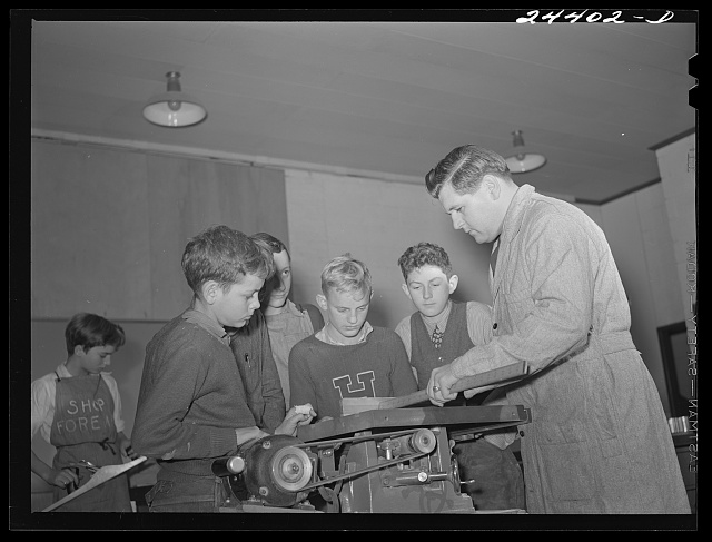 Dailey, West Virginia. December 1941. Homestead school at the Tygart Valley homesteads, a FSA (Farm Security Administration) project eleven miles southwest of Elkins, West  Virginia. A shop class. Part of the vocational training program