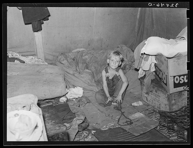White migrant child in tent at Corpus Christi, Texas