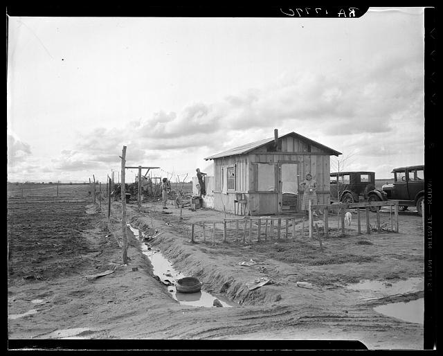 """Home"" of a migrant worker's family. Kern County, California. Lately came from Oklahoma"