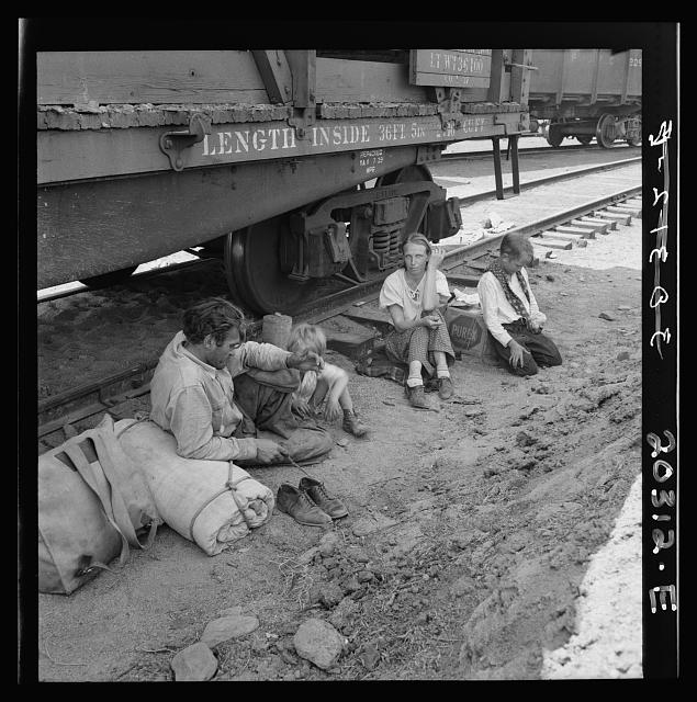Family who traveled by freight train. Washington, Toppenish, Yakima Valley Toppenish, Yakima Valley, Wash.  Aug. 1939.  Family who traveled by freight train.