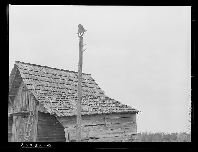 Bell on plantation. Greene County, Georgia