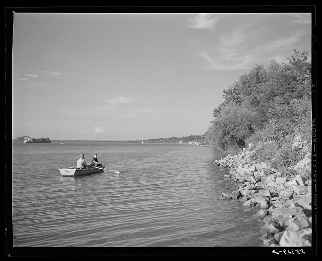 Fishing in the Ohio River, Saturday afternoon. Louisville, Kentucky