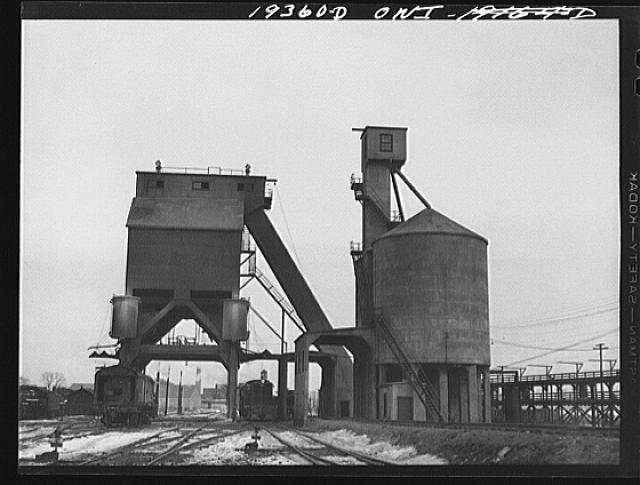 Fort Madison. Coal and sand chutes in the railway yard